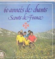 2 Disques Stéréo 45 Tours 30 Cm 60 Années De Chants Scouts De France Pochette Illustrée Par Pierre Joubert De 1982 - Scoutisme