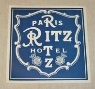ETIQUETA DEL HOTEL RITZ DE PARIS  Hotel Ritz Paris  Tag For Luggage - Etiquetas De Hotel