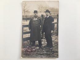 Photo AK Soldat Et Civilist Brassard France Medaile Souvenir Campagne Stamp Division Camp Retranche De Paris - Guerre 1914-18
