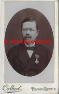 CDV-Belgique-portrait D'un Homme Médaillé- Photo Colbert à Tournai-Renaix - Anciennes (Av. 1900)