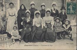CPA CP Charroux Vienne Costumes Du Pays Edit Cipière Femmes Et Enfants Vêtements Traditionnels Voyagée - Charroux