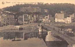 DINANT - Le Pont, L'Hôtel Des Postes Et Le Faubourg De Saint-Médard - Dinant
