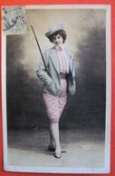 DANDYS Artiste Femme Costume D'homme Photo Walery - Artistes
