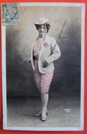 DANDYS Artiste Femme Costume D'homme Photo Walery - Künstler
