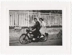 PHOTO. MOTO TERROT. COUPLE. - Photos