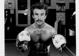 BOXE  - RENE WELLER  Champion D'europe Des Poids Légers En 1984 - Sports