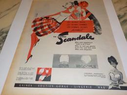 ANCIENNE PUBLICITE JEUNE FILLE ET FEMME GAINE SCANDALE  1960 - Habits & Linge D'époque
