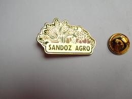 Beau Pin's , Laboratoires Sandoz Agro , Agriculture , Nature - Badges