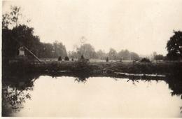 PHOTO ALLEMANDE - ETANG DANS LE PARC DU CHATEAU DE PINON - CHEMIN DES DAMES 1917 -  GUERRE 1914 1918 - 1914-18