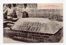 - CPA TANANARIVE (Madagascar) - Tombeau D'Andriambodilova - N° 109 - - Madagascar