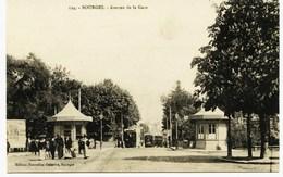 7206 - Cher - BOURGES :  Avenue De La Gare , Les Kiosques  Et Les Trams  (disparus ?? )   Circulée En 1916 - Bourges