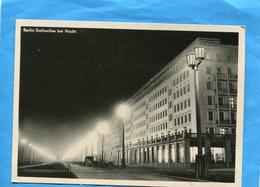 BERLIN -EST- Stalinallee-déserte--la Nuit  Années 50 - Allemagne