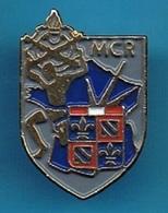 PIN'S //  ** M.C.R. / SAINT-FLORENTIN // MAGASIN CENTRAL DE RECHANGE ** - Militaria