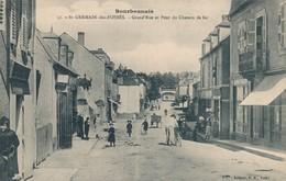 CPA - France - (03) Allier - Saint-Germain-des-Fossés - La Grand'rue Et Pont Du Chemin De Fer - Frankrijk