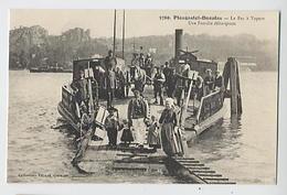 PLOUGASTEL DAOULAS: Le Bac à Vapeur - Une Famille Débarquant - 6769 Coll Villard - Plougastel-Daoulas