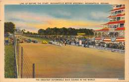 INDIANAPOLIS MOTOR SPEEDWAY-LINE UP BEFORE THE START-500 AUTOMOBILE RACE-GREATEST IN THE WORLD 1940 POSTCARD  39157 - Indianapolis