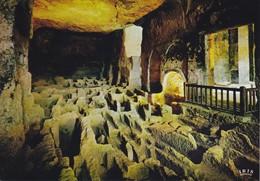 16 Aubeterre Sur Dronne Intérieur De L'Eglise Monolithe La Salle Des Sarcophages (2 Scans) - France