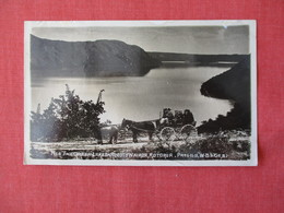 Has Stamp & Cancel   RPPC  The Green Lake On The Road To  Wairoa Rotorua   New Zealand    Ref 3170 - New Zealand