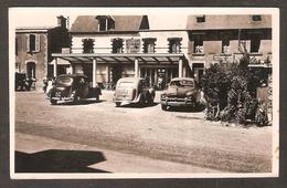RARE - 5017 - COUTAINVILLE ( 50 Manche ) Façade De L'Hôtel HARDY ( Le Goubey ) En 1952 - Vieilles Voitures - Autres Communes