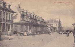 Tournai Les Marchés Circulée En 1924 - Doornik