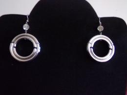 Boucles D'oreilles Double Anneaux Et Brillant En Plastique Couleur Argenté - Earrings