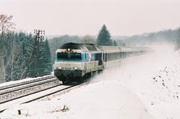 Plancher-Bas (70 - France) 5 Mars 2005 - La CC 72121 (livrée En Voyage) En Tête Du Train Corail 1041 Paris/Bâle - France
