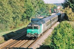 Bas-Evette (90 - France) 3 Octobre 2003 - La CC 72018 (en Livrée Fret) Vient  De Franchir La Gare De Bas-Evette - France