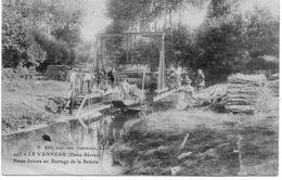 79 -Le Vanneau : Passe-Bateau Au Barrage De La Belette . - France