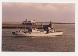 AK06 Shipping Photograph - German Navy Ship And P&O Ferry - Boats