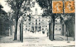 N°70268 -cpa Le Havre -Caserne Des Douanes- - Le Havre
