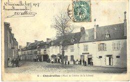 CHENERAILLES .... PLACE DE L ARBRE DE LA LIBERTE - Chenerailles