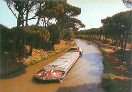 Cpm -   En Parcourant Le Languedoc -  Canal Du Midi  ,  Péniches             (181 ) - Embarcaciones