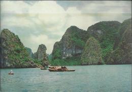 Hon Vet - The Vet Islet - Oblitération Rouge Et 2 Timbres De 1996 - Photo Hùu Nèn - Viêt-Nam