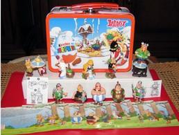 Kinder 2001 : Série Complète : Astérix Et Les Romains (10 Figurines Avec 10 BPZ) + Valisette Métal - Astérix & Obélix