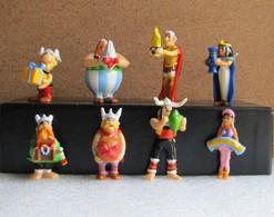 Kinder 2010 : Série Complète : Astérix à 50ans (8 Figurines Avec 3 BPZ) - Astérix & Obélix