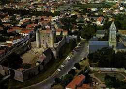 ILE DE NOIRMOUTIER  L'Eglise Et Le Chateau Feodal Vue Aérienne Colorisée RV - Ile De Noirmoutier