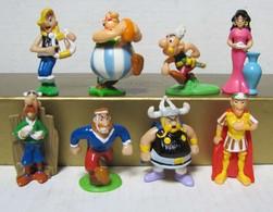 Kinder 2013 : Série Complète : Astérix Et Obélix Au Service De Sa Majesté (8 Figurines) - Astérix & Obélix