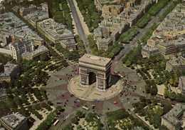 PARIS  L'Arc De Triomphe Et La Place De L'Etoile (Photographie Aérienne R Henrard) Colorisée  RV - France