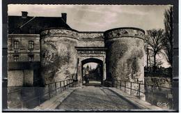 Bergues  / CPSM PF / Porte De Bierne / Ed. CIM - Bergues
