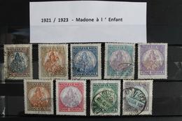1921  /  1923     -   MADONE  A  L  '  ENFANT   OBLITERES - Hongrie