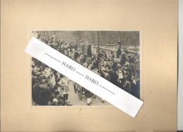 STAVELOT (sous Réserve) - Photo Sur Carton - Cortège Du 100e Anniversaire De La Belgique ?? 1930 ?  (b247) - Lieux