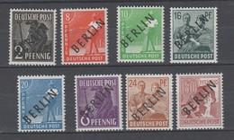 Berlin , 8 Geprüfte Postfrische Schwarzaufdruck Kleinwerte - Berlin (West)