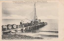 Martinique Embarquement De Rhum Sur La Cote A Destination De F De F    Mq104 - Martinique