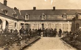 PHOTO FRANÇAISE - PRISONNIERS ALLEMANDS AU CHATEAU DE VADENCOURT PRES DE CONTAY - ALBERT SOMME GUERRE 1914 1918 - 1914-18