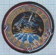 USA / RUSSIA / Patch, Abzeichen, Parche, Ecusson / SPACE / SHUTTLE / NASA+MIR. - Patches
