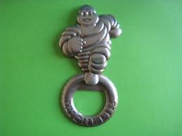 Ancien Décapsuleur Michelin - Tire-Bouchons/Décapsuleurs