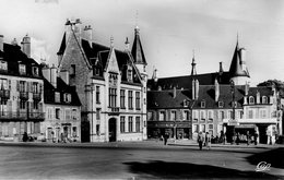 58 - NEVERS - La Place Carnot - Nevers