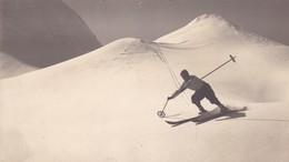 BELLE PHOTO Format CP / SKIEUR / SKIS ET BATONS A VOIR !! - Sports D'hiver