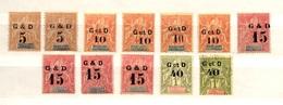 Guadeloupe Douze Timbres Anciens Surchargés De 1903. Avec Différents Types De Surcharge. B/TB. A Saisir! - Neufs