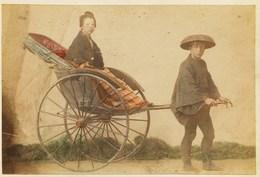 2 Photos Du Japon - XIXéme - Sur Papier Albuminé  - 1) Environs De Nikko   - 2) Pousse Poussse - Photos